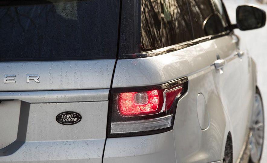 2015 Land Rover Range Rover SVR - Slide 32
