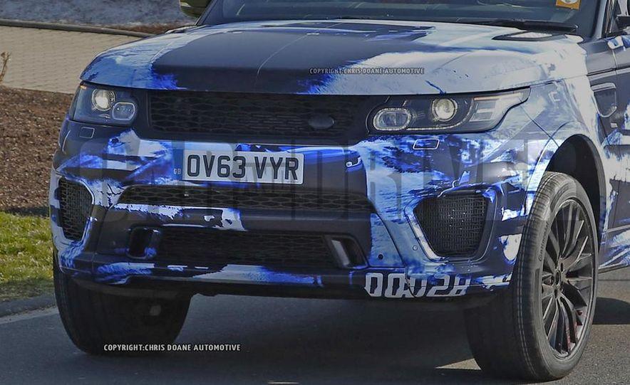 2015 Land Rover Range Rover SVR - Slide 13