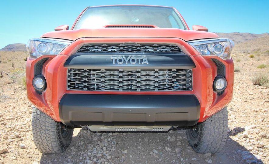 2015 Toyota 4Runner TRD Pro Series - Slide 1
