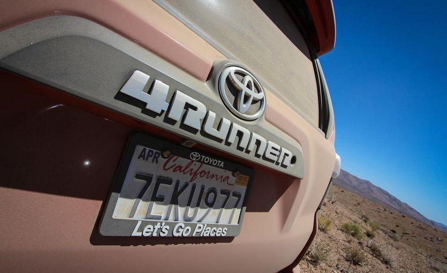 2015 Toyota 4Runner TRD Pro Series - Slide 5