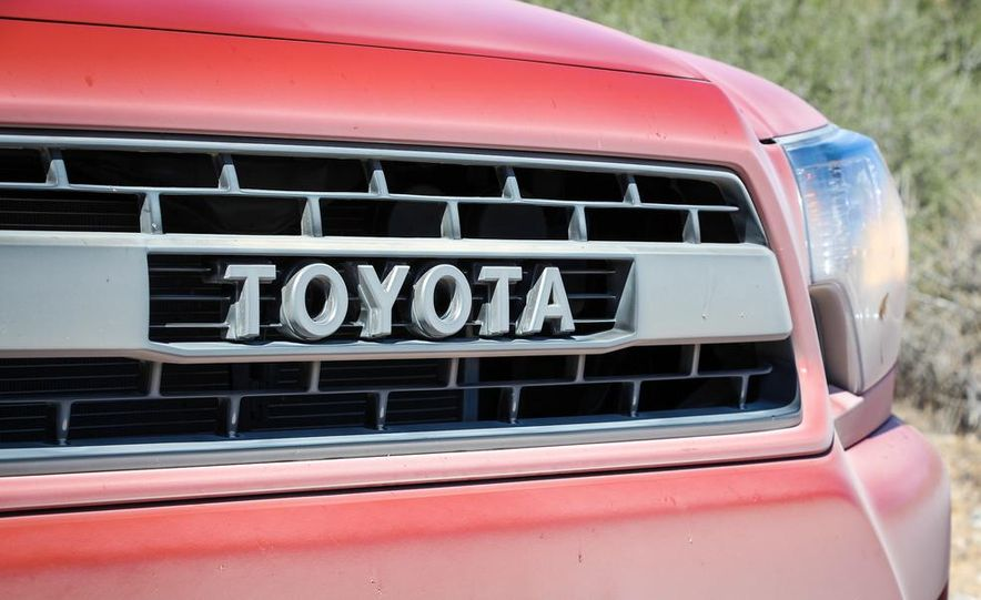2015 Toyota 4Runner TRD Pro Series - Slide 27