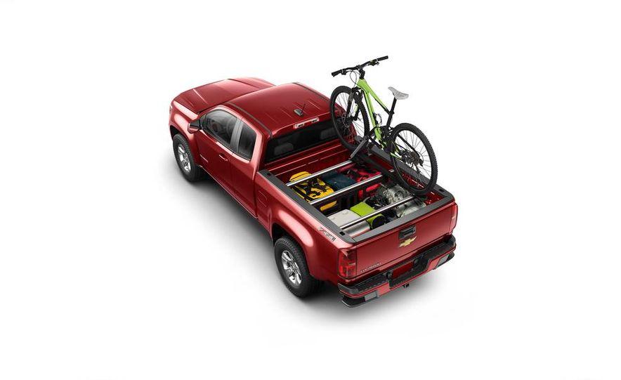 2015 Chevrolet Silverado 3500 HD LTZ, 2015 Chevrolet Colorado Z71, and 2015 Chevrolet Silverado 1500 LTZ Z71 - Slide 18