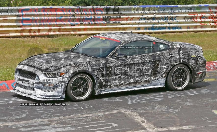 2016 Ford Mustang Shelby GT350 (spy photo) - Slide 2
