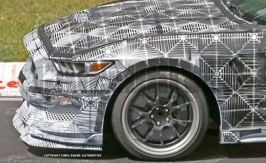 2016 Ford Mustang Shelby GT350 (spy photo) - Slide 10