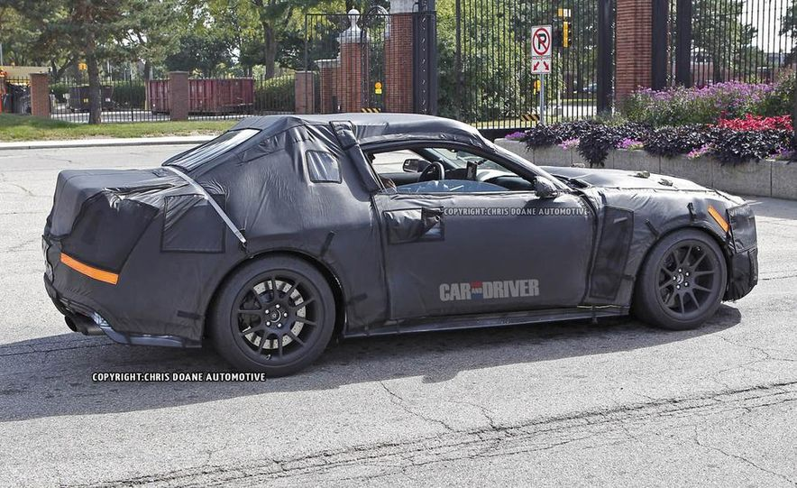 2016 Ford Mustang Shelby GT350 (spy photo) - Slide 17