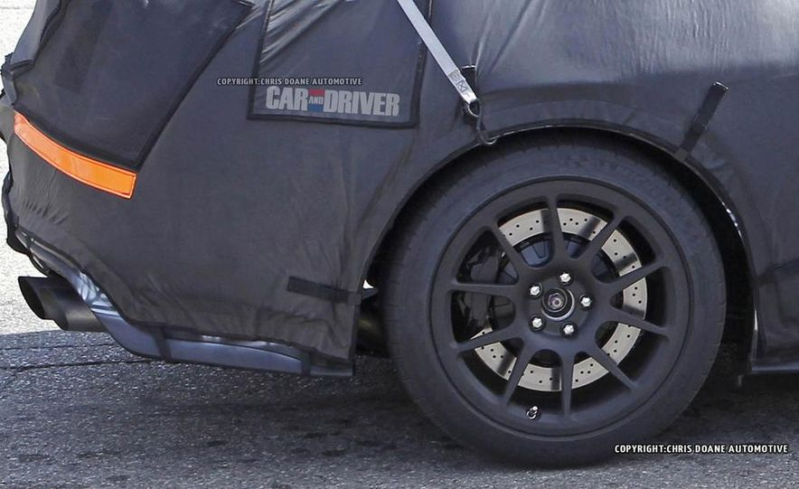 2016 Ford Mustang Shelby GT350 (spy photo) - Slide 24