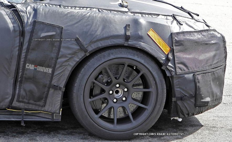 2016 Ford Mustang Shelby GT350 (spy photo) - Slide 25
