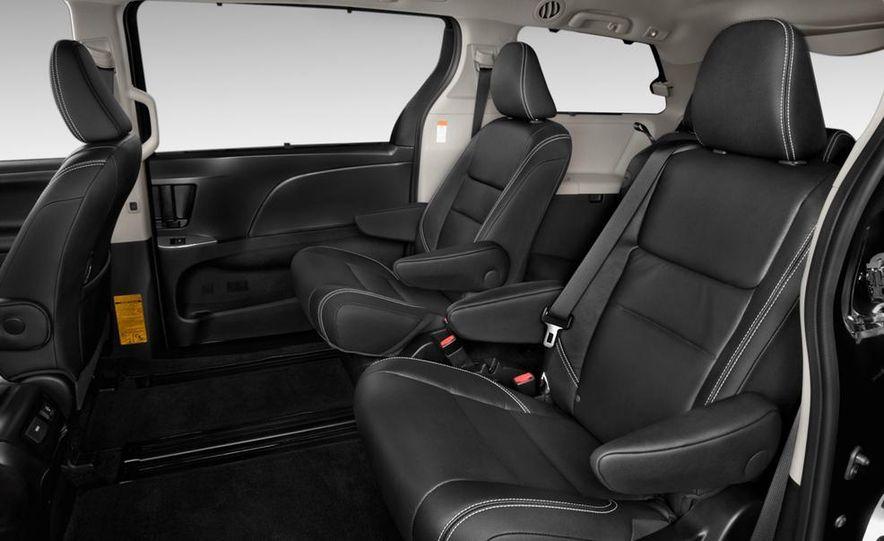 2015 Toyota Sienna SE - Slide 17
