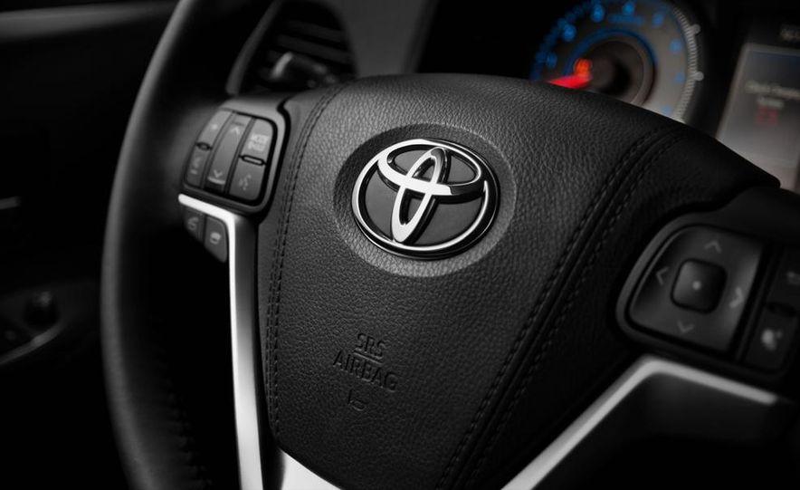 2015 Toyota Sienna SE - Slide 20