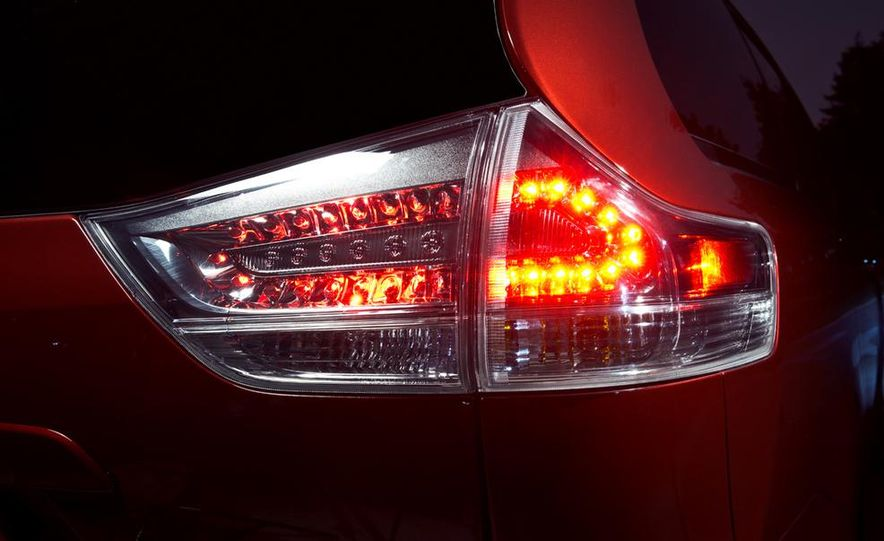 2015 Toyota Sienna SE - Slide 13