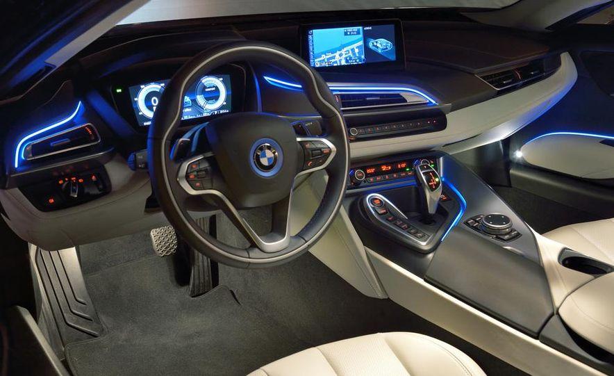 BMW i8 Concours d'Elegance Edition - Slide 75