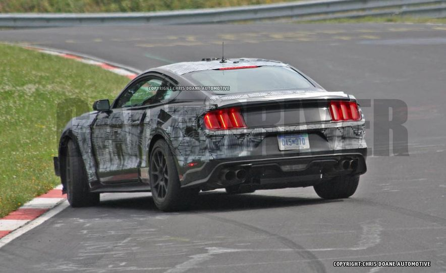 2016 Ford Mustang GT350 (spy photo) - Slide 3