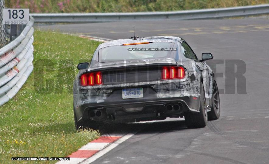 2016 Ford Mustang GT350 (spy photo) - Slide 4