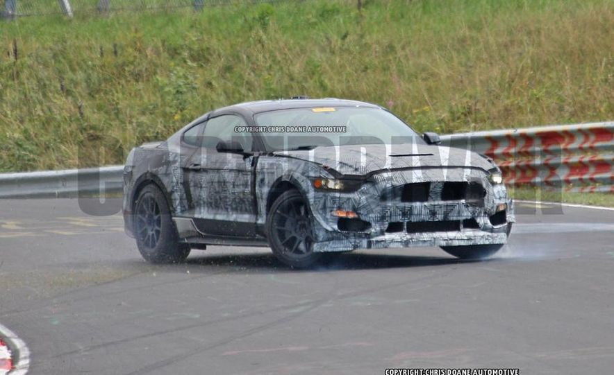 2016 Ford Mustang GT350 (spy photo) - Slide 10