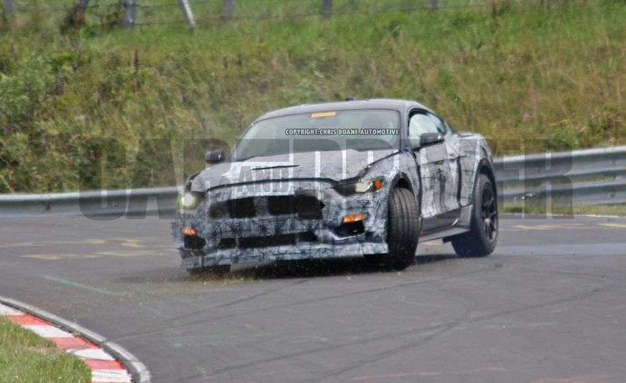 2016 Ford Mustang GT350 (spy photo) - Slide 11