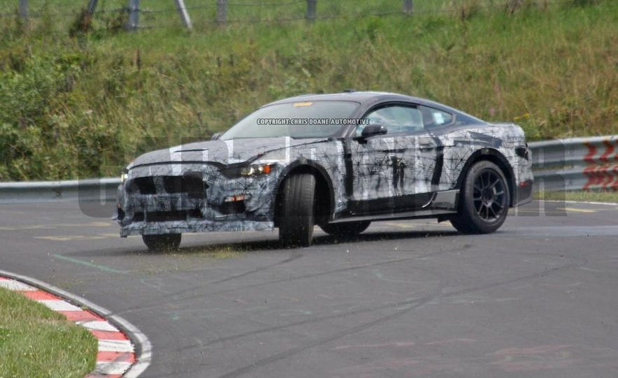 2016 Ford Mustang GT350 (spy photo) - Slide 12