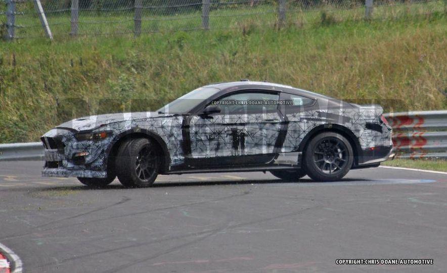 2016 Ford Mustang GT350 (spy photo) - Slide 13