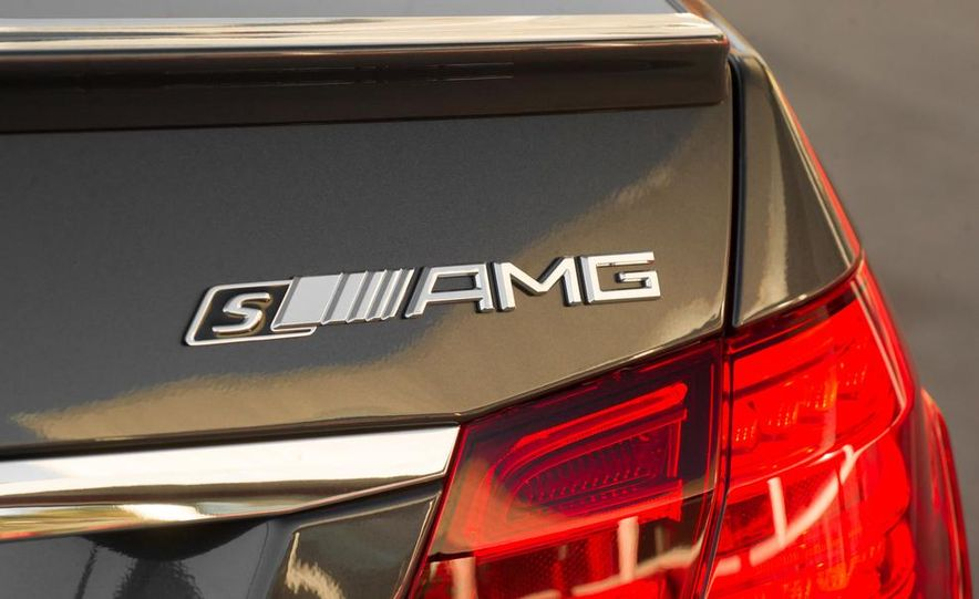 2014 BMW M5 with Competition Package - Slide 23