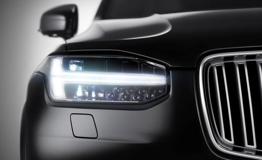 2016 Volvo XC90 - Slide 1