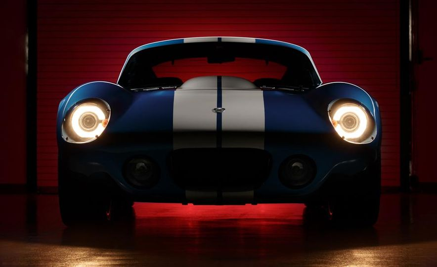 Renovo Coupe EV - Slide 7
