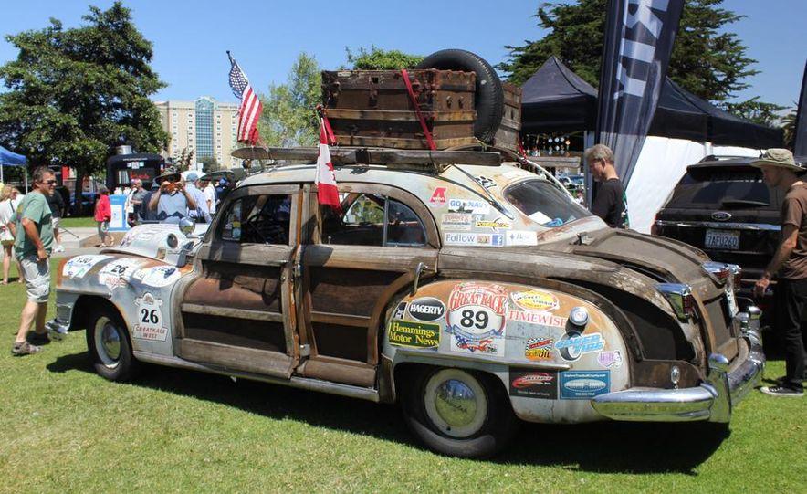 1965 Chrysler New Yorker Wagon - 2014 Concours d'LeMons - Slide 93