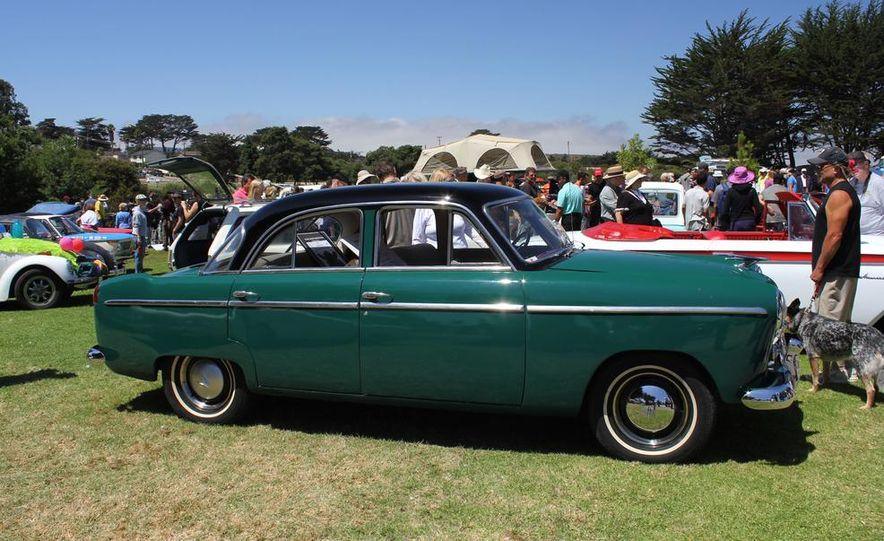 1965 Chrysler New Yorker Wagon - 2014 Concours d'LeMons - Slide 43
