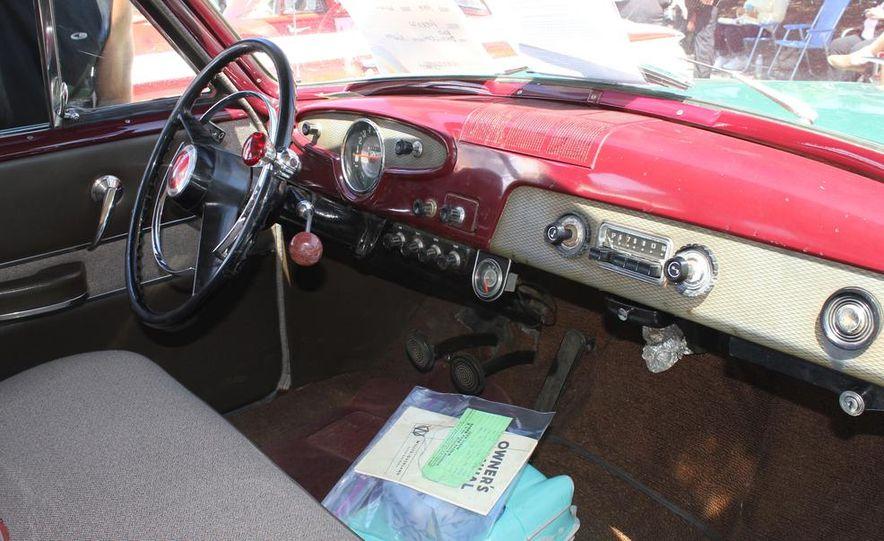 1965 Chrysler New Yorker Wagon - 2014 Concours d'LeMons - Slide 44