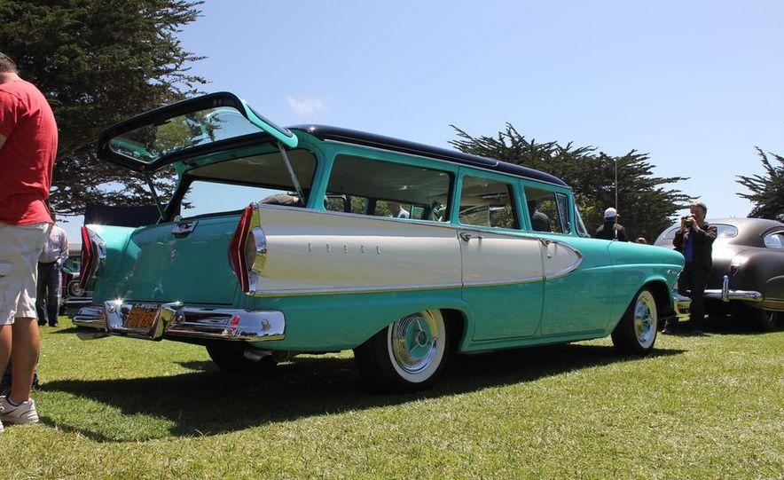 1965 Chrysler New Yorker Wagon - 2014 Concours d'LeMons - Slide 17