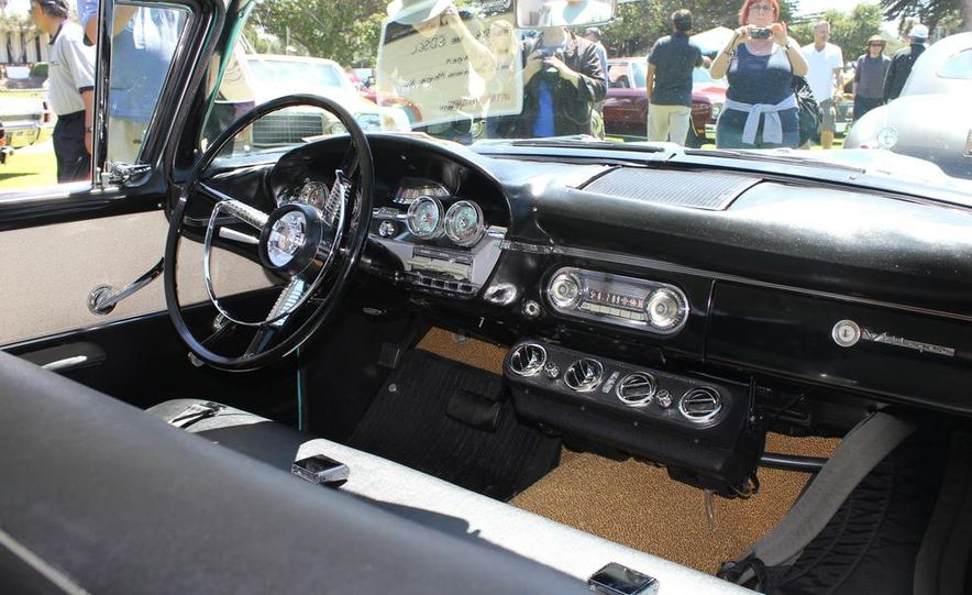 1965 Chrysler New Yorker Wagon - 2014 Concours d'LeMons - Slide 18