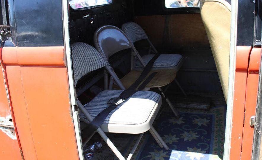 1965 Chrysler New Yorker Wagon - 2014 Concours d'LeMons - Slide 62