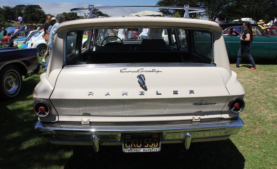 1965 Chrysler New Yorker Wagon - 2014 Concours d'LeMons - Slide 122