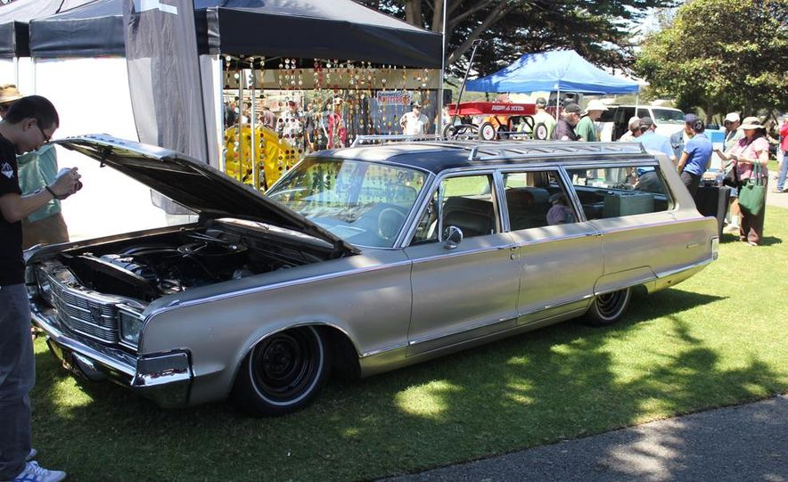 1965 Chrysler New Yorker Wagon - 2014 Concours d'LeMons - Slide 1