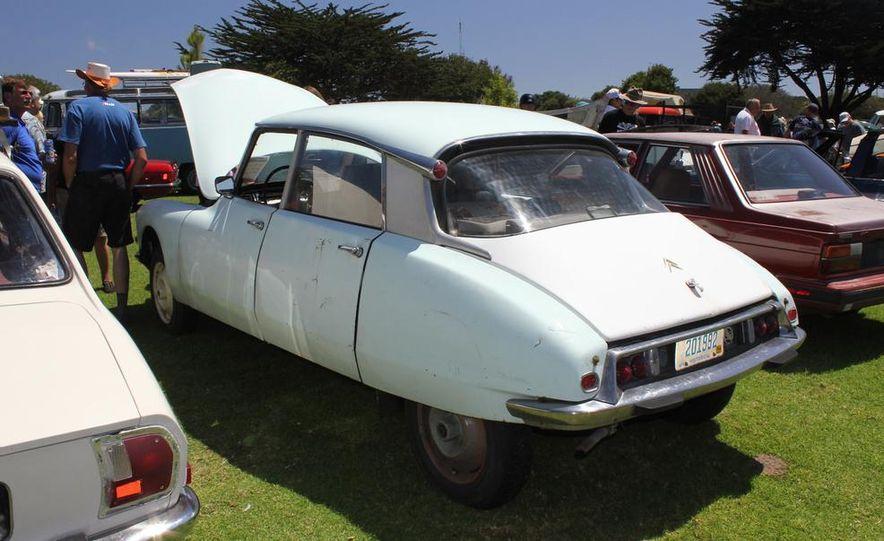 1965 Chrysler New Yorker Wagon - 2014 Concours d'LeMons - Slide 66