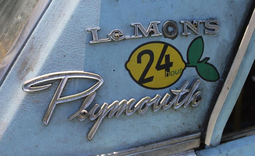 1965 Chrysler New Yorker Wagon - 2014 Concours d'LeMons - Slide 5