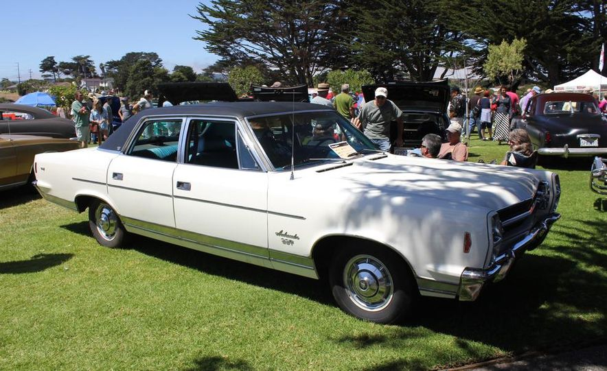 1965 Chrysler New Yorker Wagon - 2014 Concours d'LeMons - Slide 26