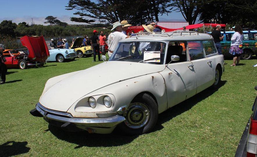 1965 Chrysler New Yorker Wagon - 2014 Concours d'LeMons - Slide 108
