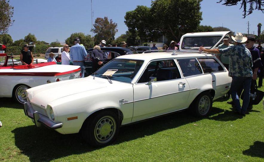1965 Chrysler New Yorker Wagon - 2014 Concours d'LeMons - Slide 41