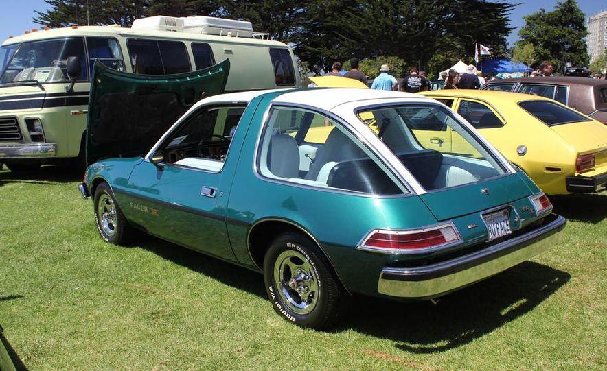 1965 Chrysler New Yorker Wagon - 2014 Concours d'LeMons - Slide 90