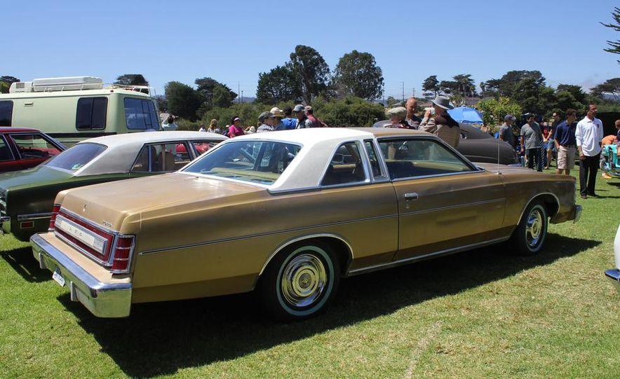 1965 Chrysler New Yorker Wagon - 2014 Concours d'LeMons - Slide 27