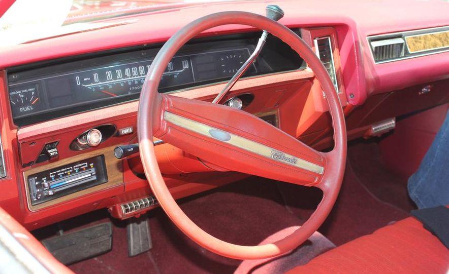 1965 Chrysler New Yorker Wagon - 2014 Concours d'LeMons - Slide 32
