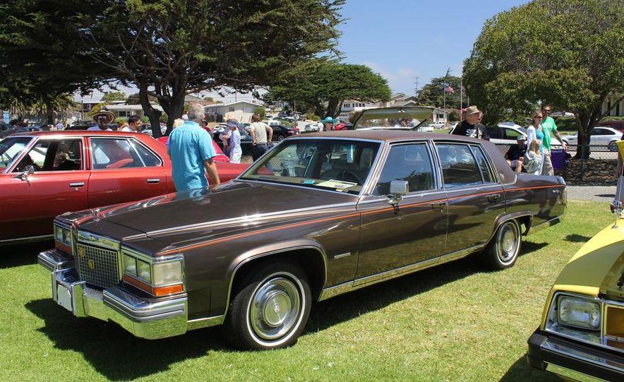 1965 Chrysler New Yorker Wagon - 2014 Concours d'LeMons - Slide 33