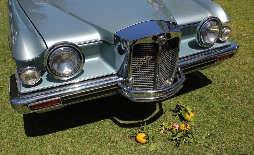 1965 Chrysler New Yorker Wagon - 2014 Concours d'LeMons - Slide 13