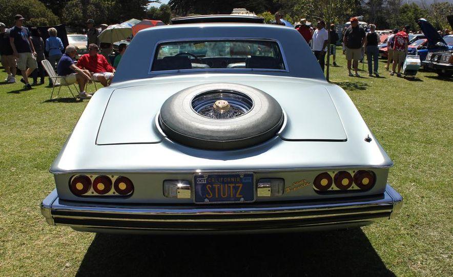 1965 Chrysler New Yorker Wagon - 2014 Concours d'LeMons - Slide 14