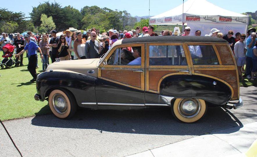 1965 Chrysler New Yorker Wagon - 2014 Concours d'LeMons - Slide 130