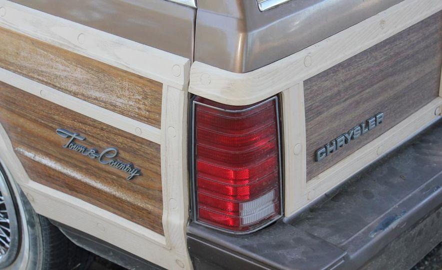 1965 Chrysler New Yorker Wagon - 2014 Concours d'LeMons - Slide 124