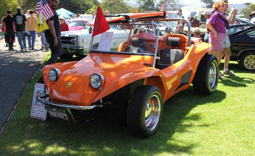 1965 Chrysler New Yorker Wagon - 2014 Concours d'LeMons - Slide 25