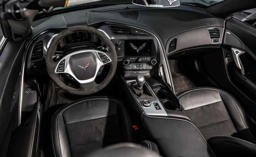 2015 Chevrolet Corvette Stingray coupe - Slide 20