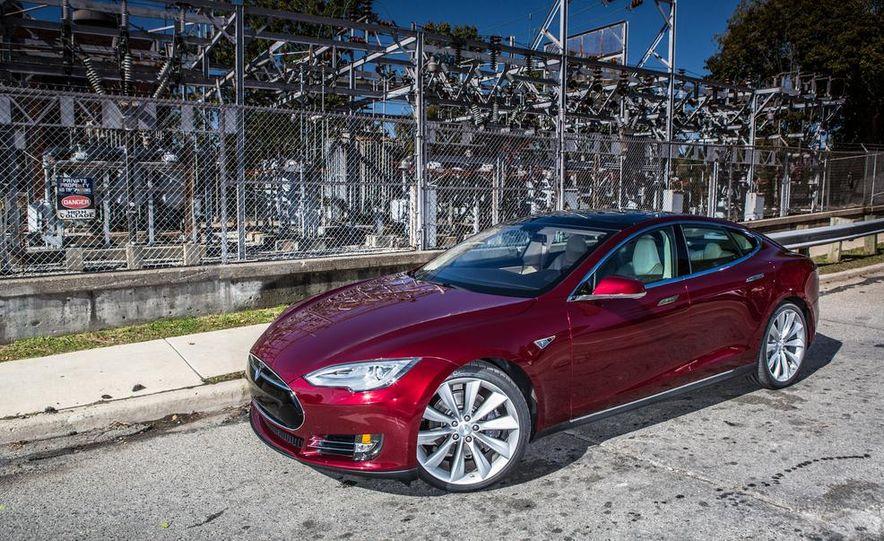 2013 Tesla Model S - Slide 16