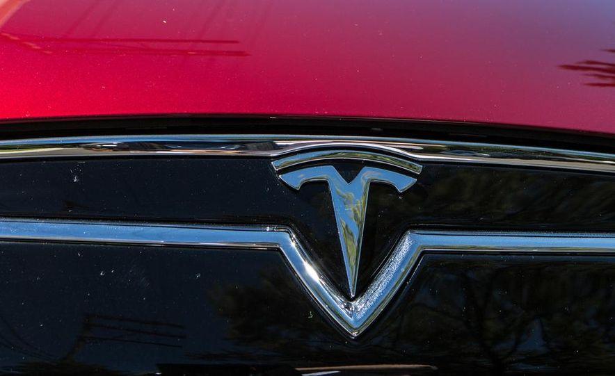 2013 Tesla Model S - Slide 26