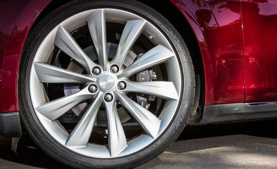 2013 Tesla Model S - Slide 30